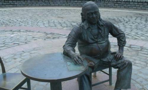 estatua-vinicius
